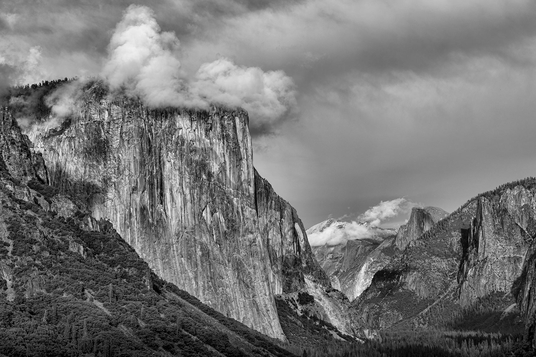 El-Capitan-and-Half-Dome_bw