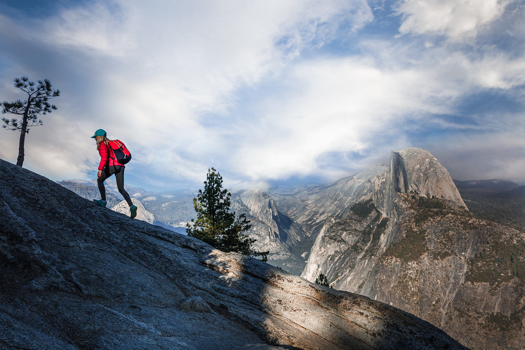 Hiking-on-Glacier-Point_Yosemite_2