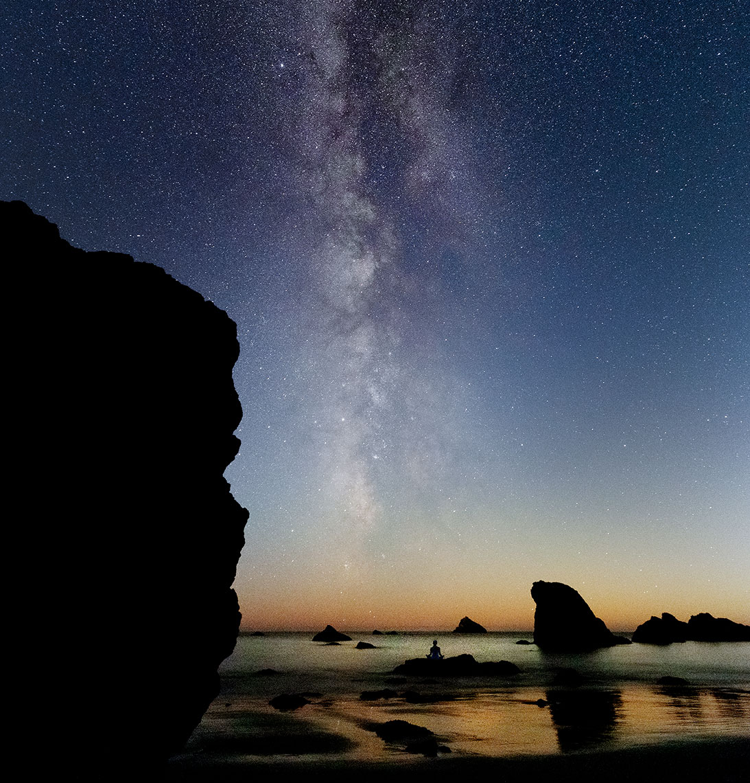 Milky-Way-Rainbow-rock-beach