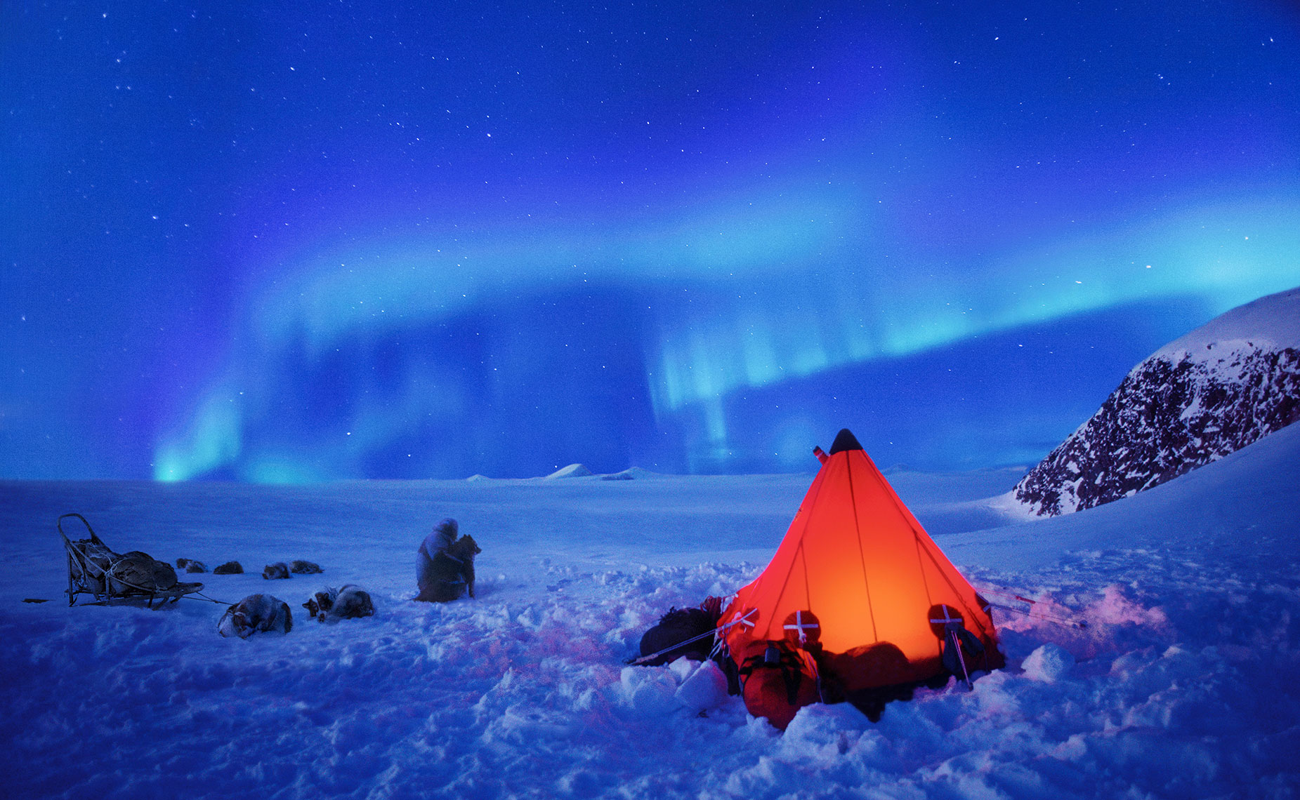 Red-Tent-in-Greenland
