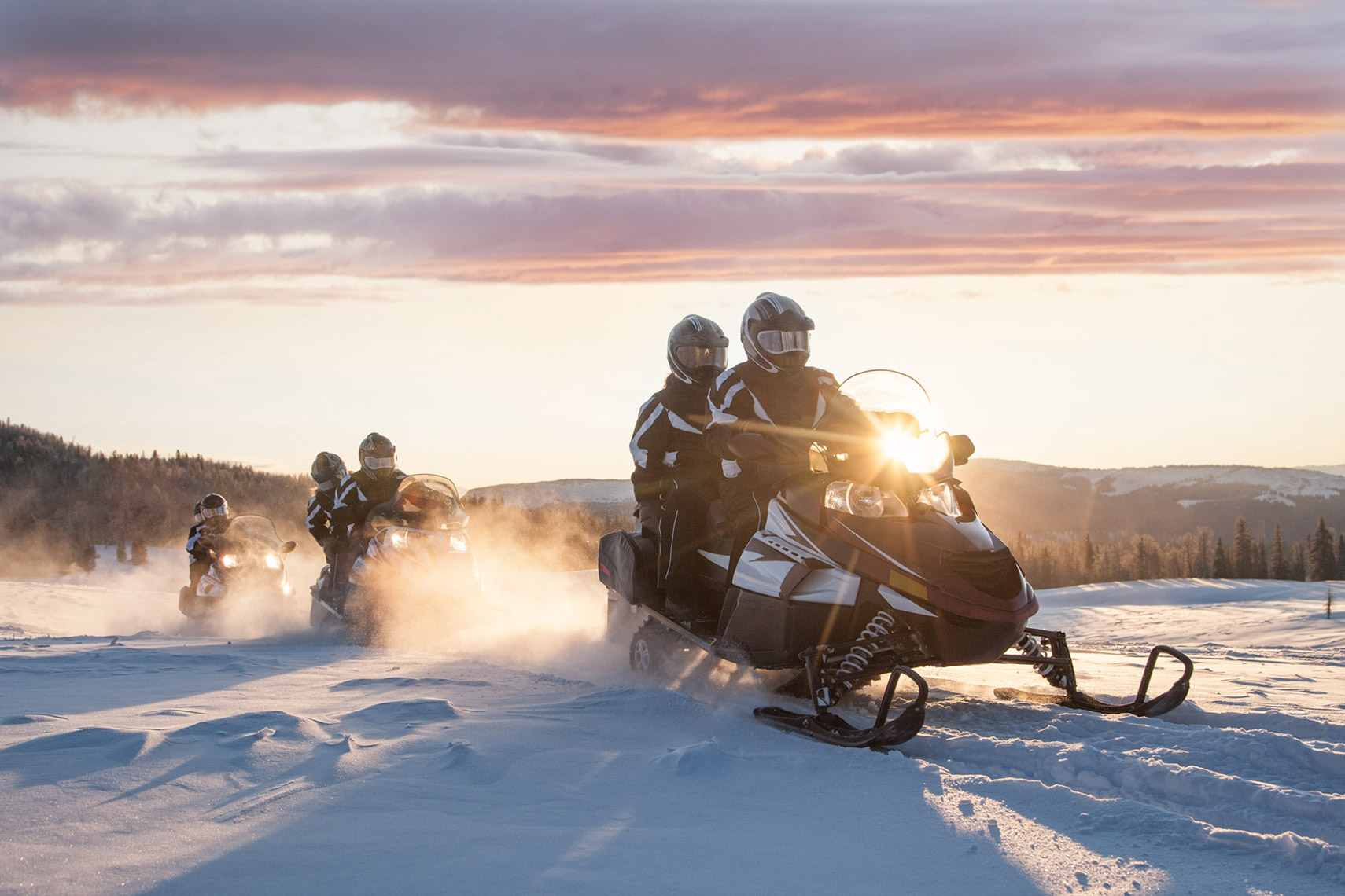 SUNRISE-SNOWMOBILE-TOURING