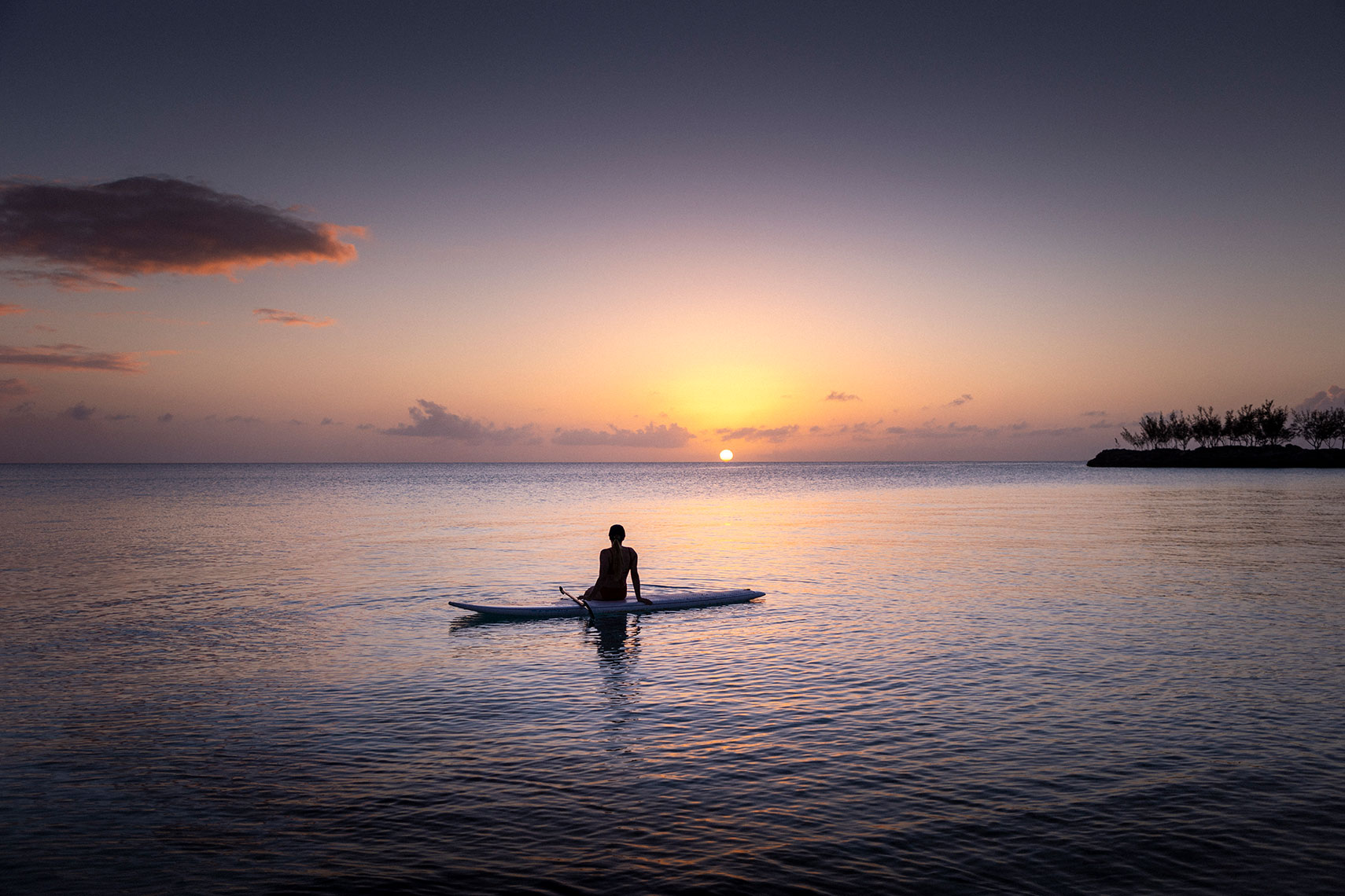 Sitting-on-paddleboard_1
