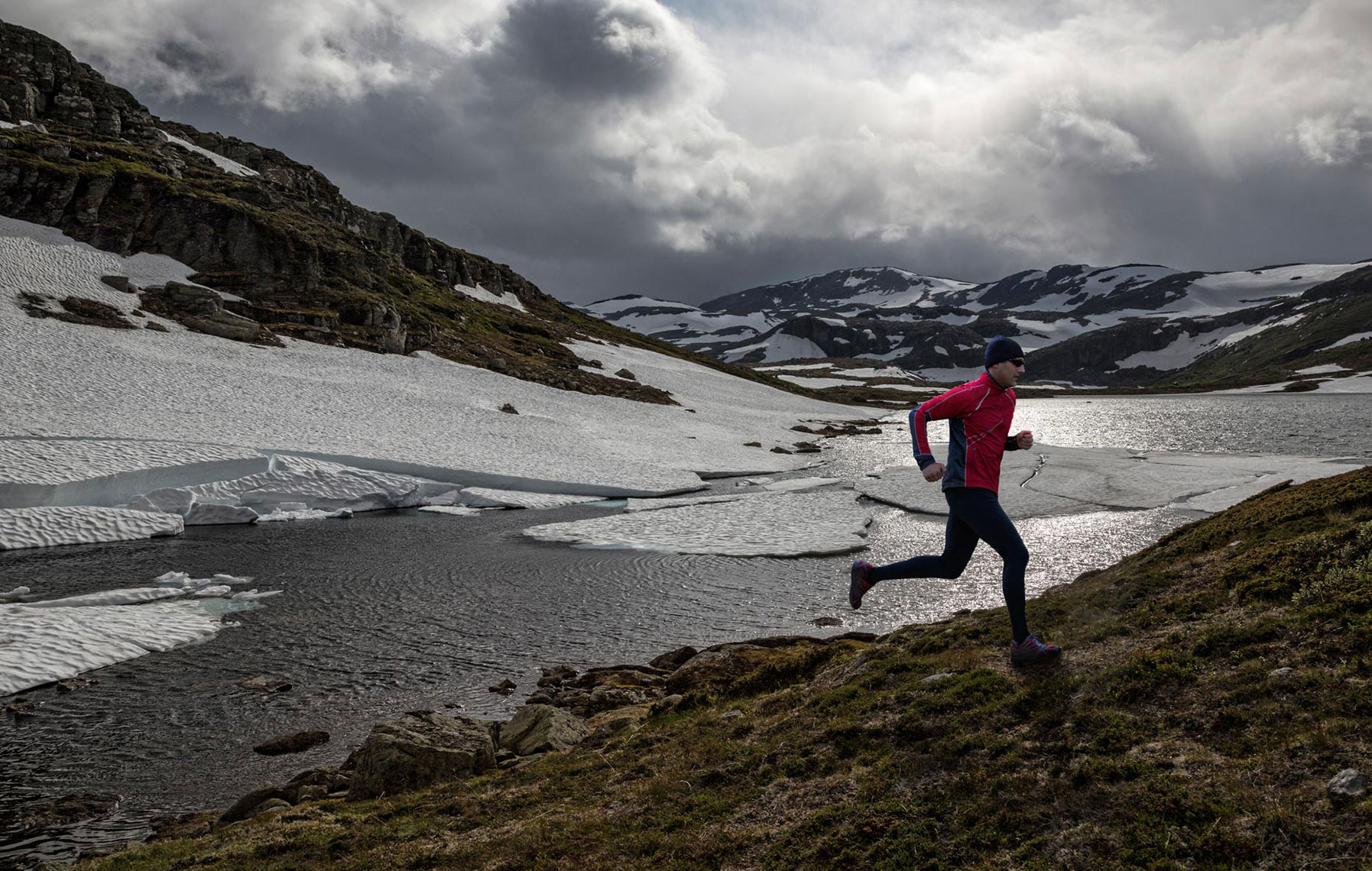 TRAIL-RUNNING-IN-THE-NORWEGIAN-MOUNTAINS
