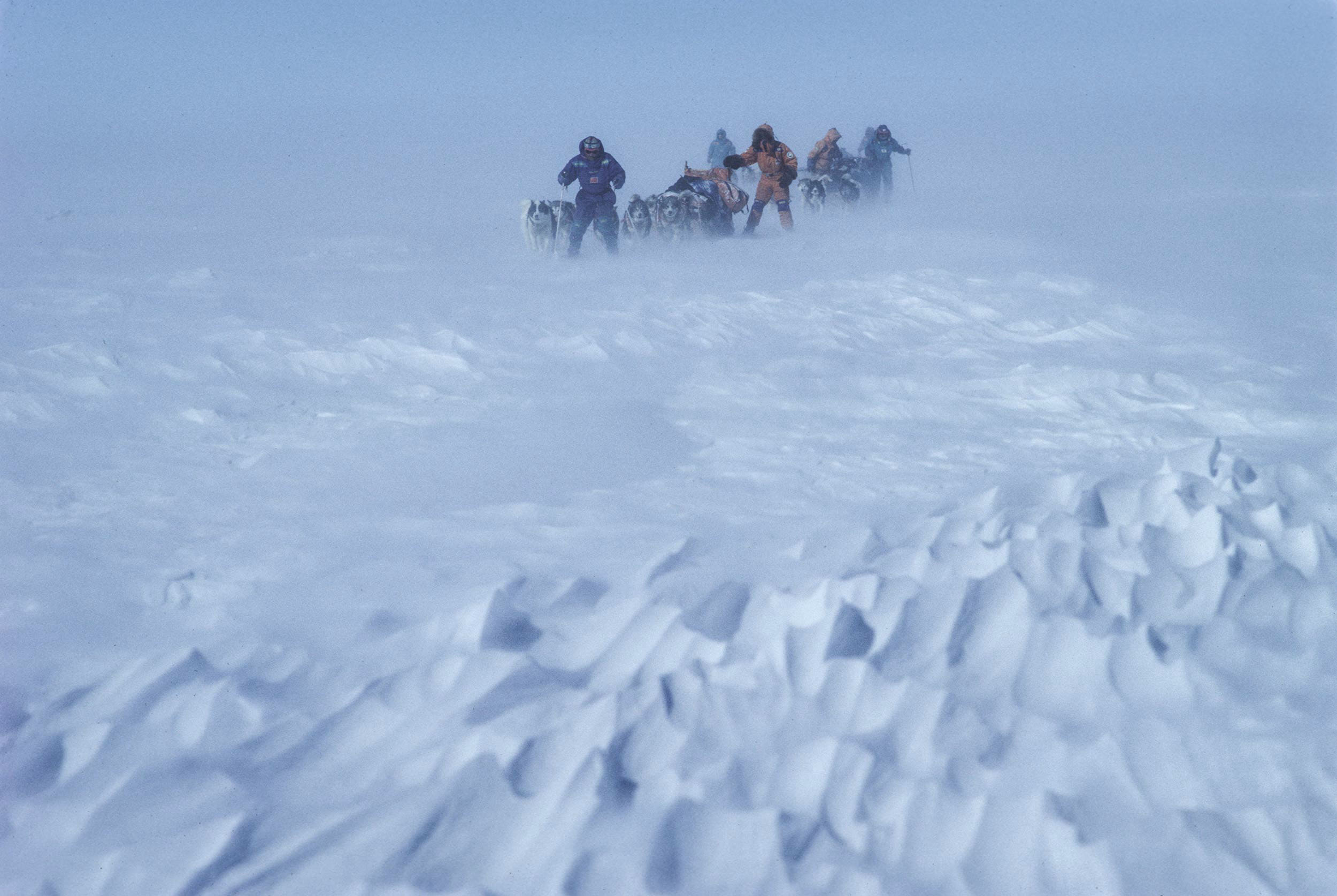 Trans-Antarctica-Expedition-stormy-dogsledding