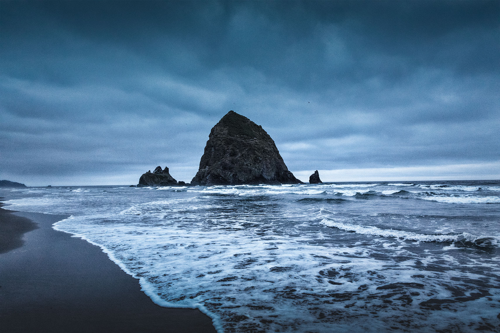 cannon-beach-giants